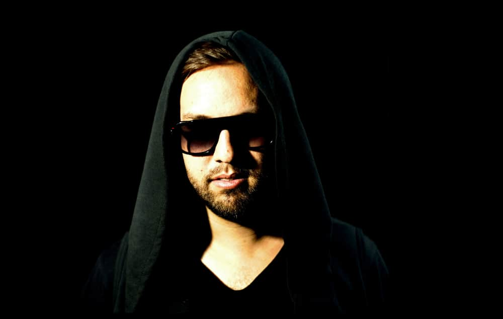 "Maceo Plex Releases Dystopian Music Video for ""Polygon Pulse"""