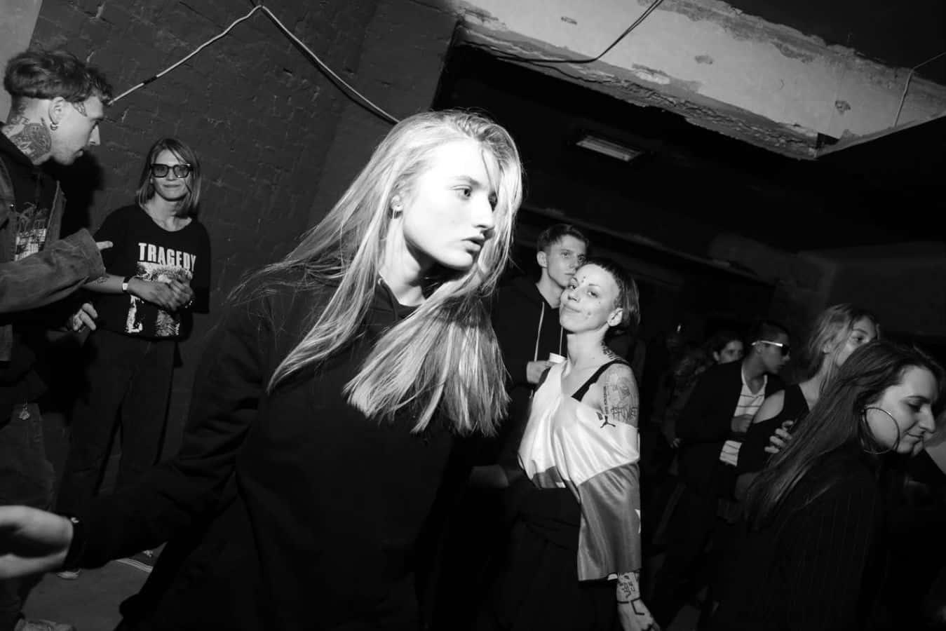 Jugendhub Sonya Stepanova Black and White