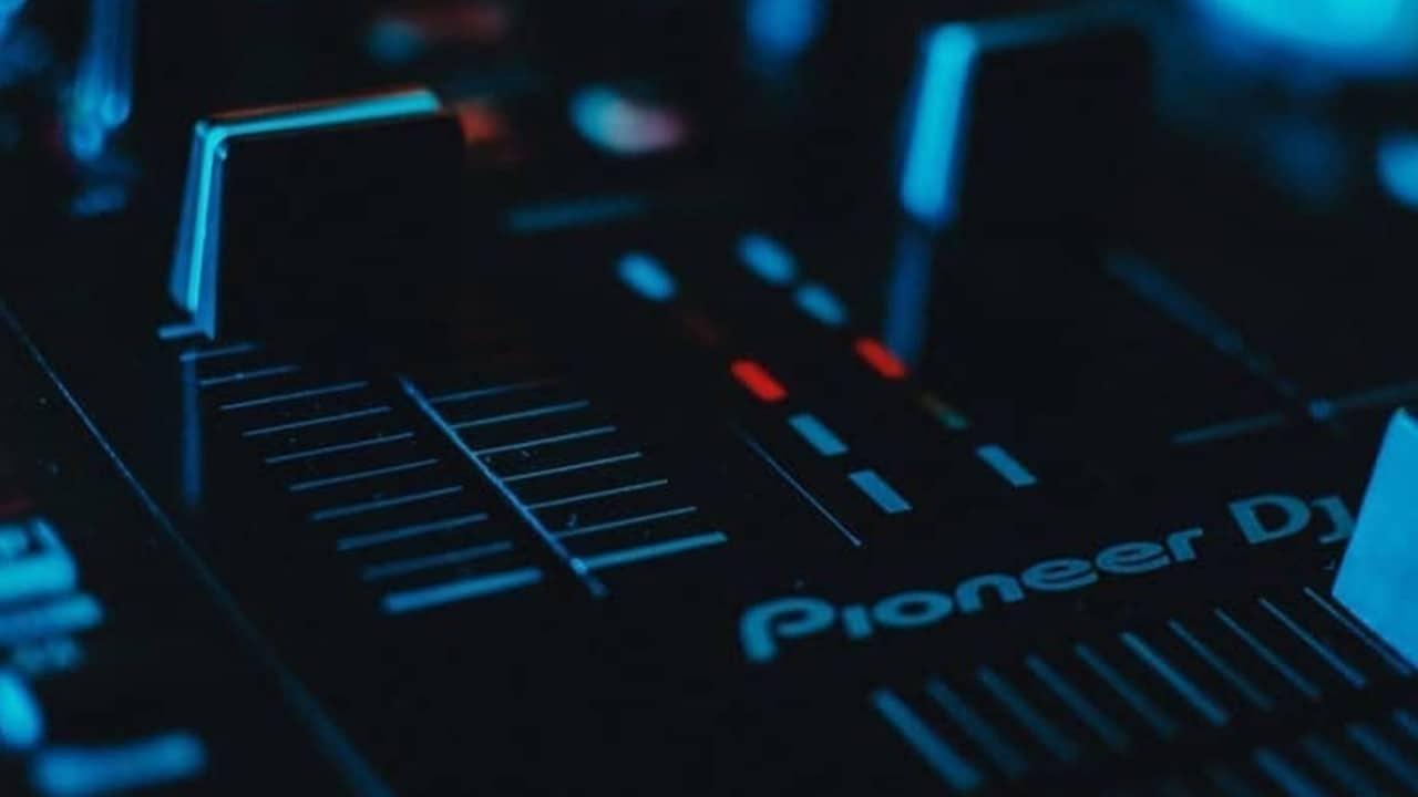 Closeup photo of a Pioneer DJ mixer taken by Enzo Martinez.
