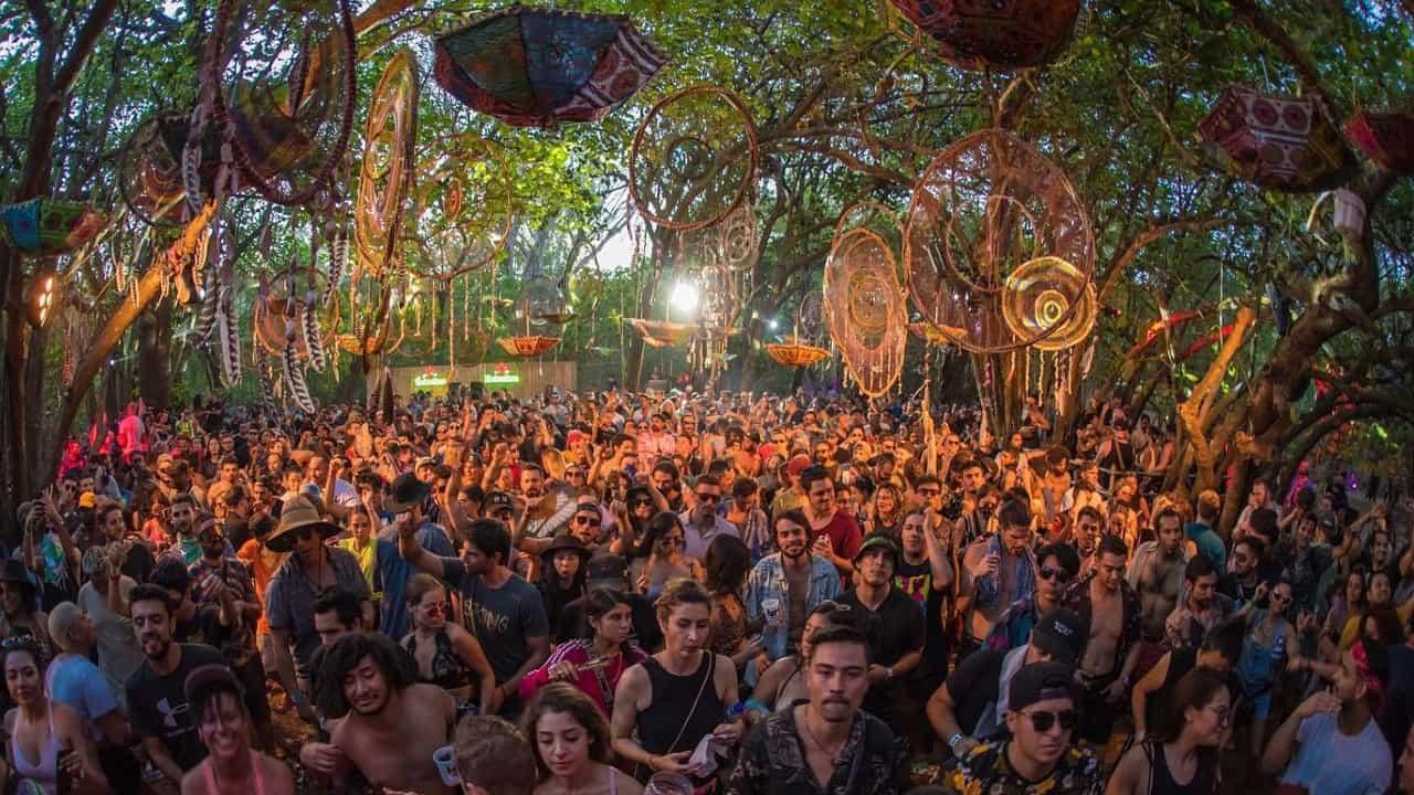The BPM Festival crowd dream catchers