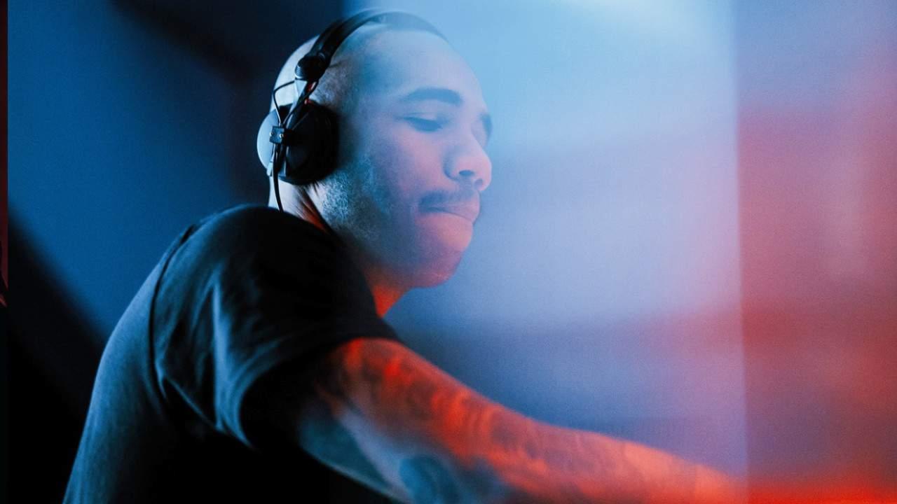 Vinicius Honorio DJ performance
