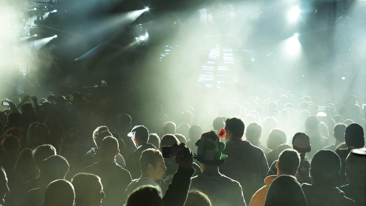 Artum Kechter Nightlife Crowd