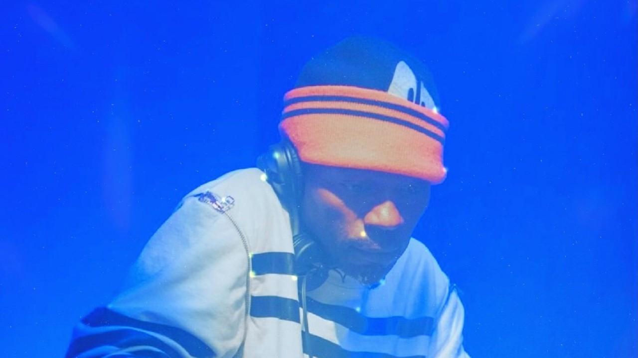 Traxman headphones DJ performance